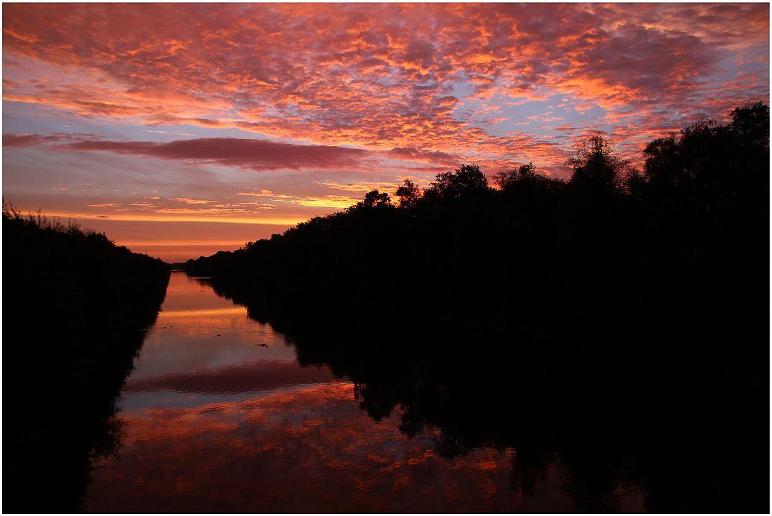 Sonnenaufgang Küstenkanal