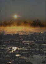 Sonnenaufgang mit Treibeis