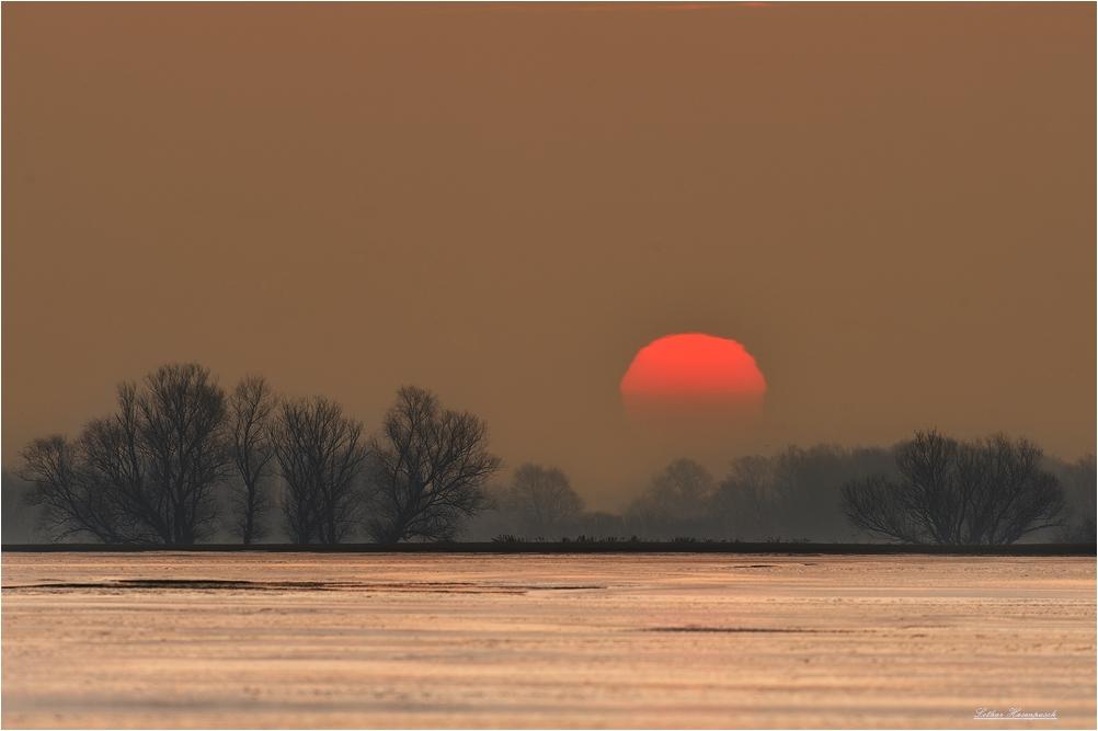 Sonnenaufgang über dem Eis