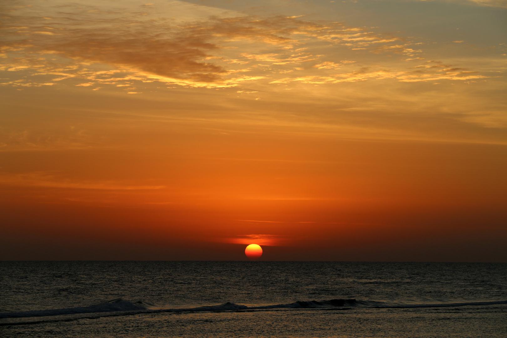 Sonnenaufgang über dem roten Meer.