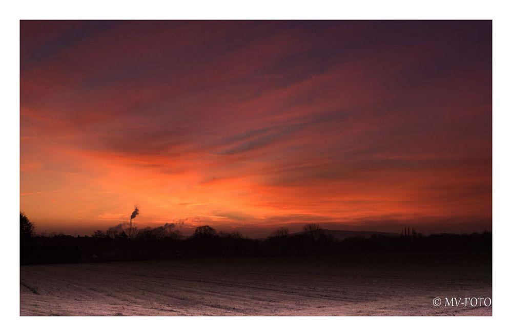Sonnenaufgang über dem Ruhrgebiet (Gelsenkirchen-Resse)