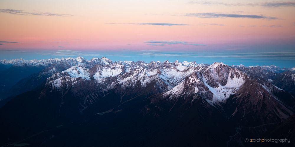 Sonnenaufgang über den Alpen I