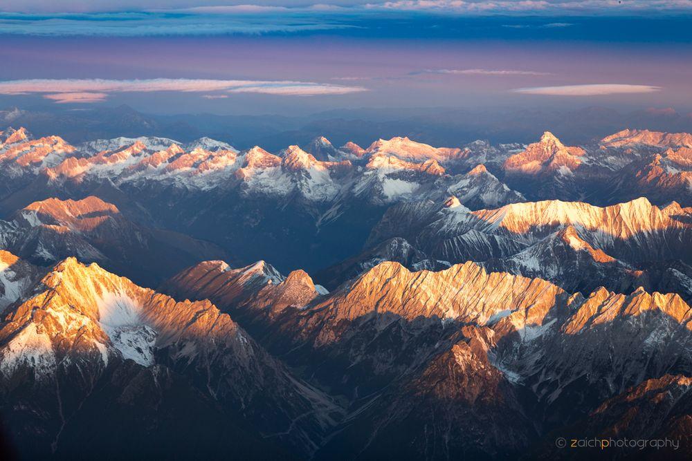Sonnenaufgang über den Alpen II