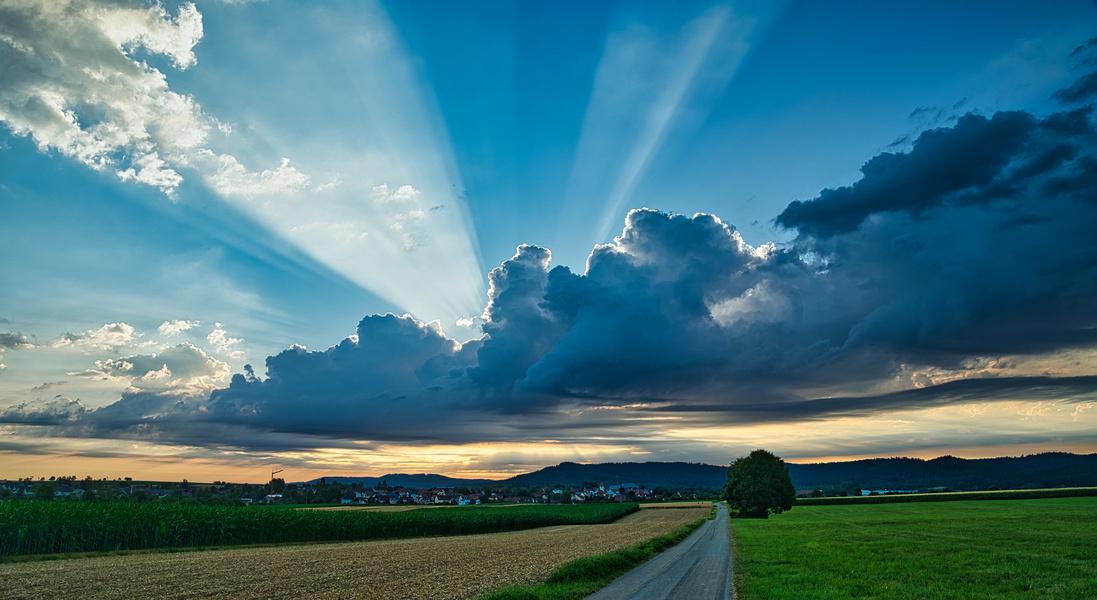 Sonnenaufgang über der Schwäbischen Alb