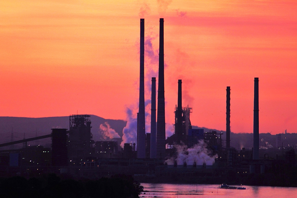 Sonnenaufgang über Duisburg