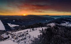 Sonnenaufgang über Finsterau im Bayerischen Wald