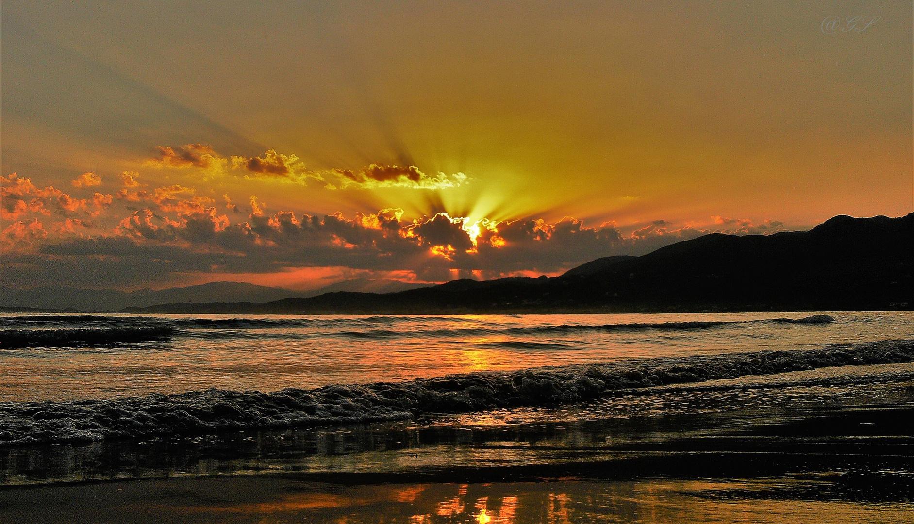 Sonnenaufgang über Korfu