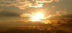 Sonnenaufgang über Olven-Town