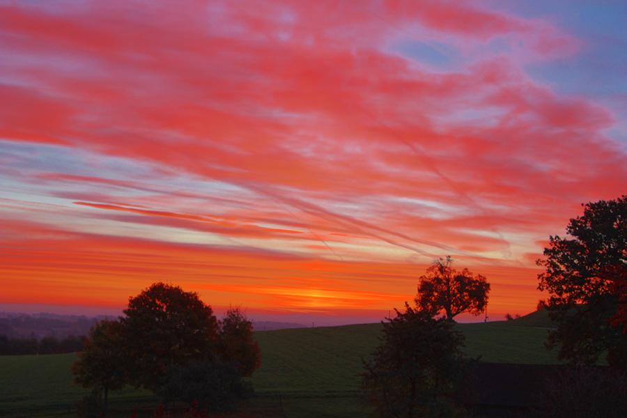 Sonnenaufgang über Rotthalmünster (Bayern)