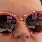 SONNENbrillen-Spiegelung