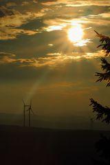 Sonnenenergie trifft Windenergie