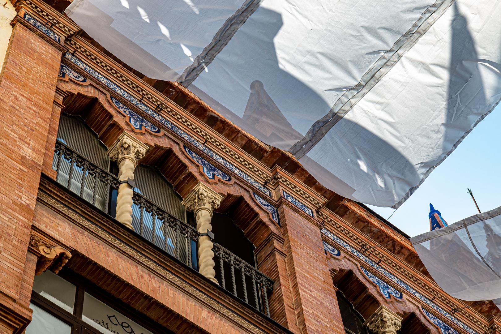 Sonnensegel über den Straßen von Sevilla_2