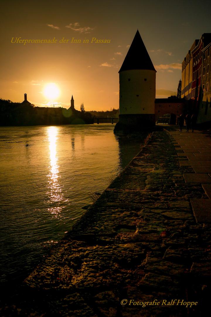 Sonnenunetrgan g... Uferterasse am Inn in Passau_02