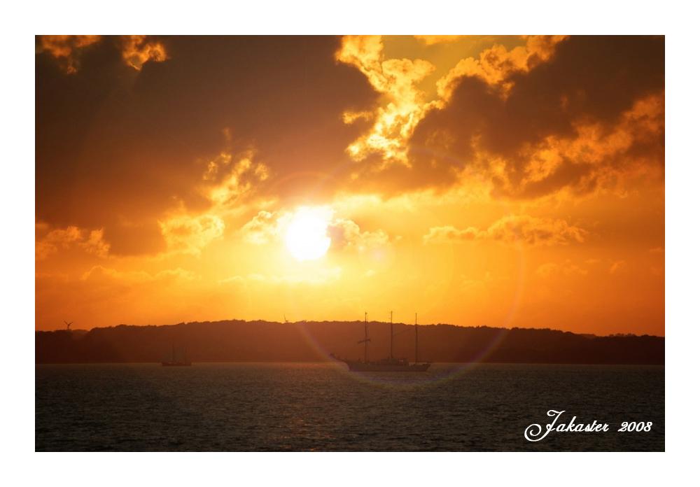 ~_* Sonnenuntergang *_~