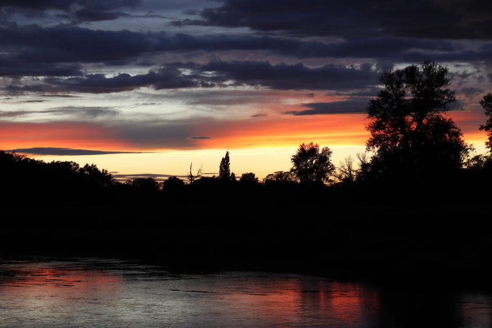 Sonnenuntergang am 29. August 2020 mit Spiegelung in der Mulde