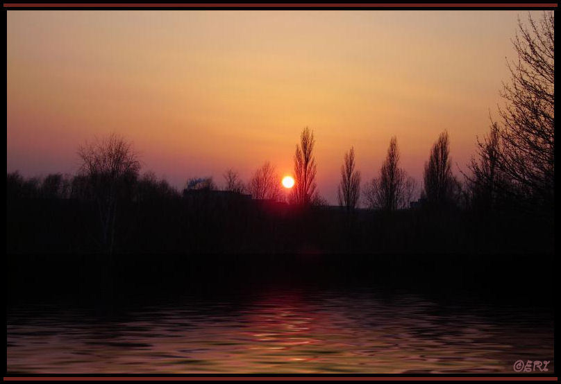 Sonnenuntergang am Badesee