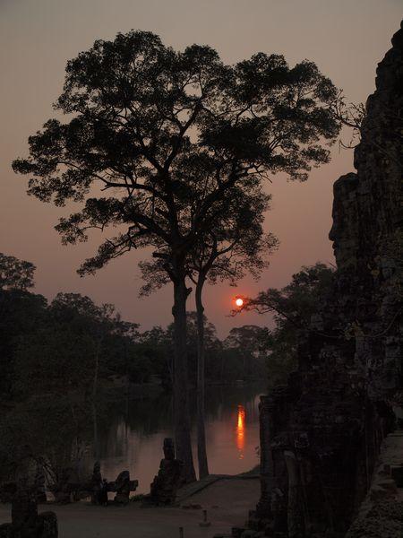 Sonnenuntergang am Bayon Südtor