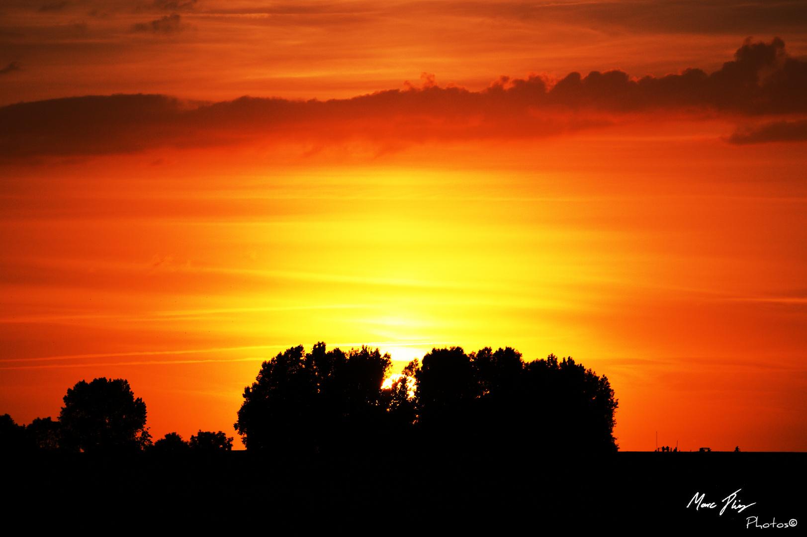 Sonnenuntergang am Deich In Otterndorf an der Nordsee
