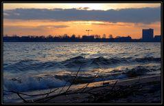 Sonnenuntergang am Elbstrand