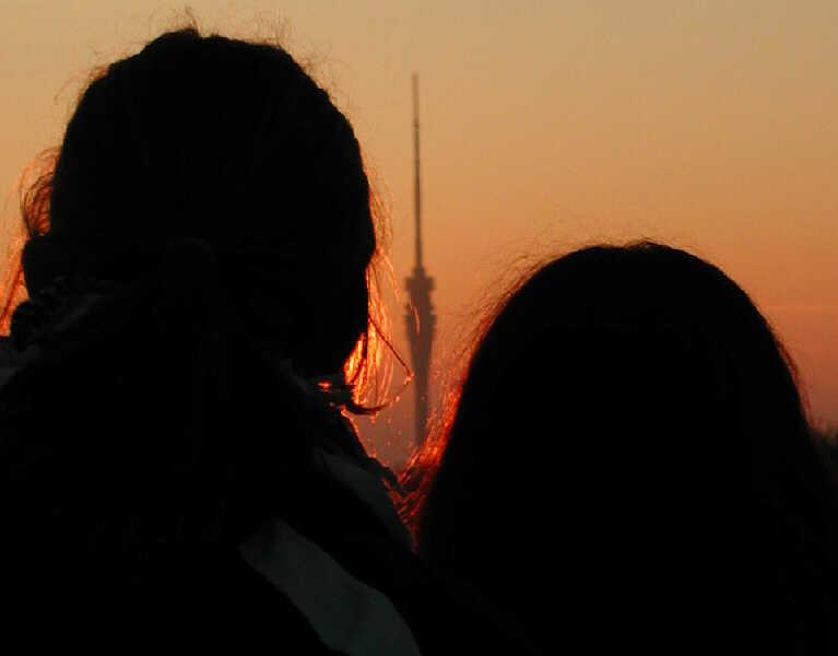 Sonnenuntergang am Fernsehturm Dresden