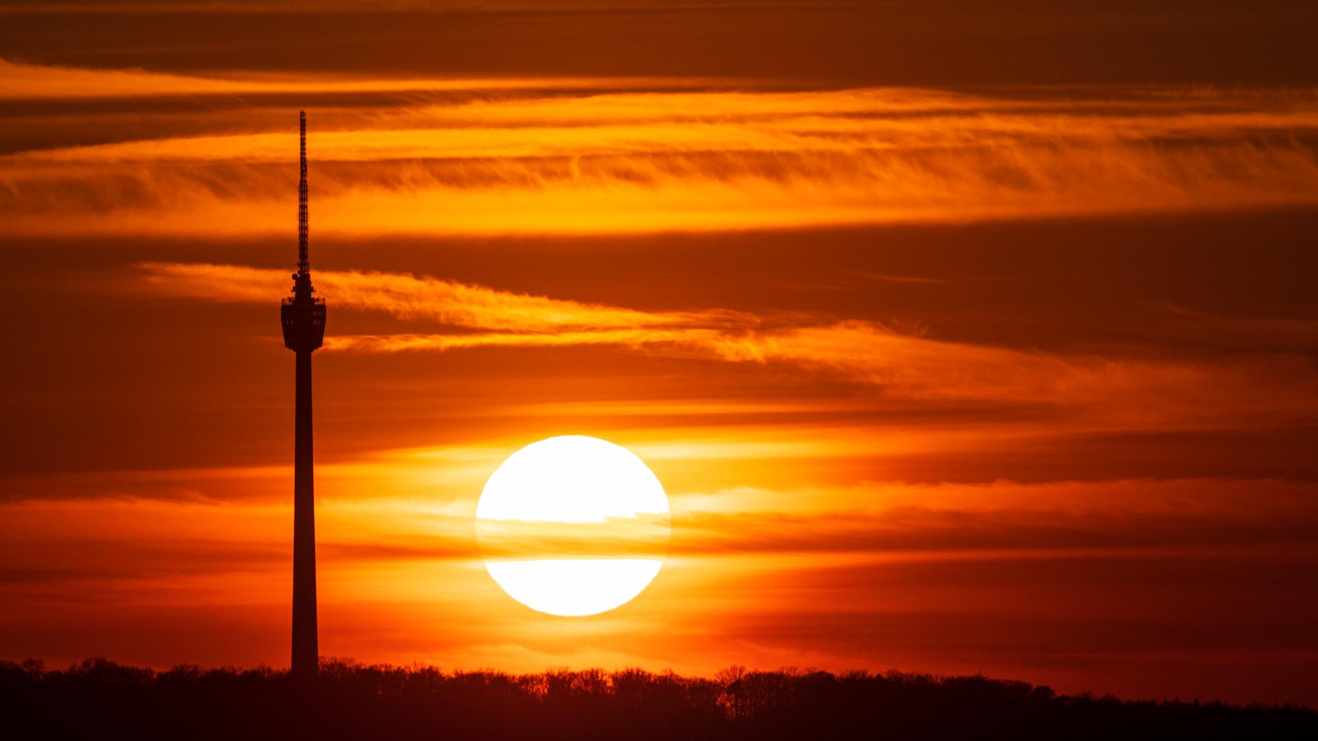 Sonnenuntergang am Fernsehturm Stuttgart
