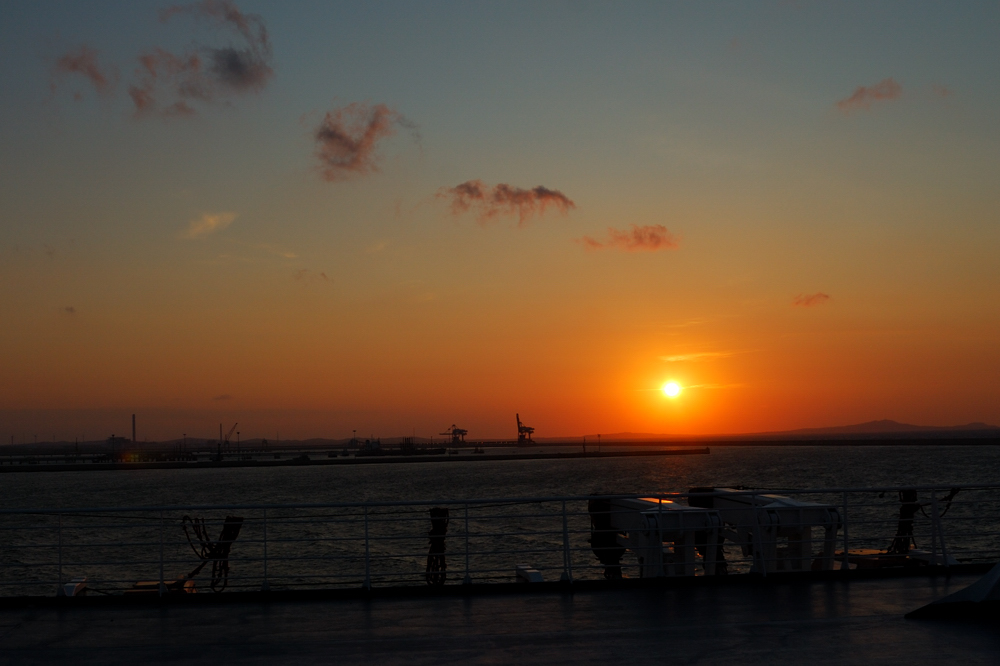 Sonnenuntergang am Hafen