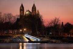 Sonnenuntergang am Rhein II