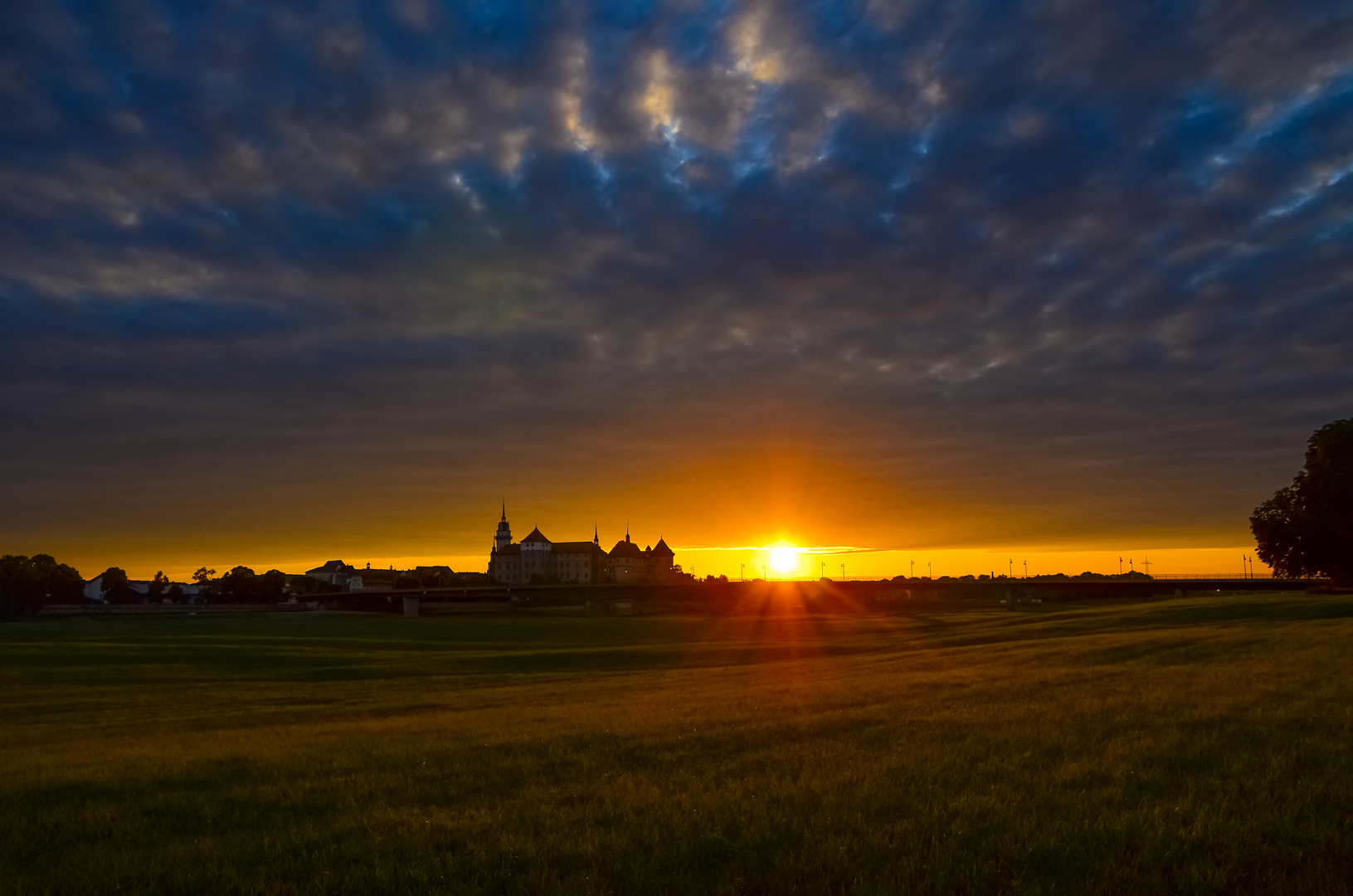 Sonnenuntergang am Schloss Hartenfels