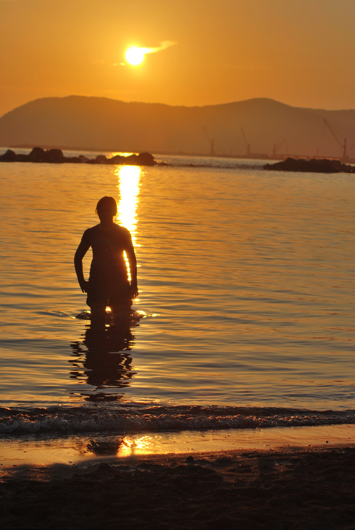 Sonnenuntergang am schönen Mittelmeer