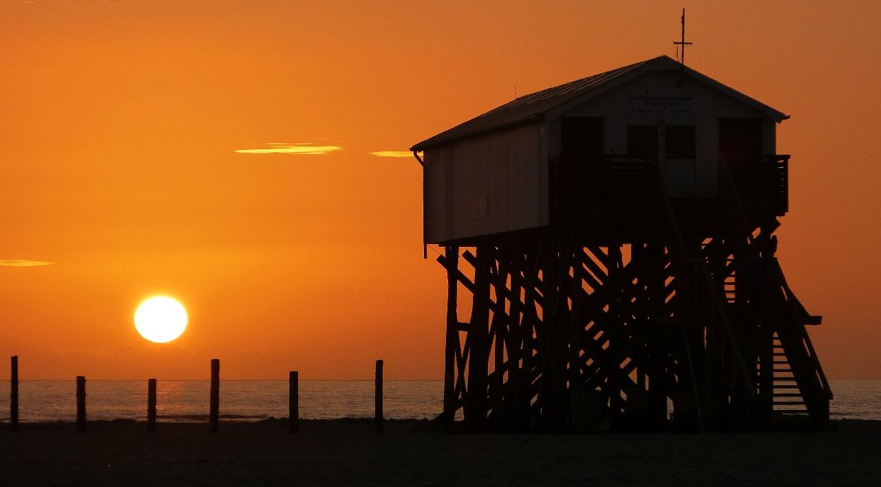 Sonnenuntergang am Strand von St. Peter Ording
