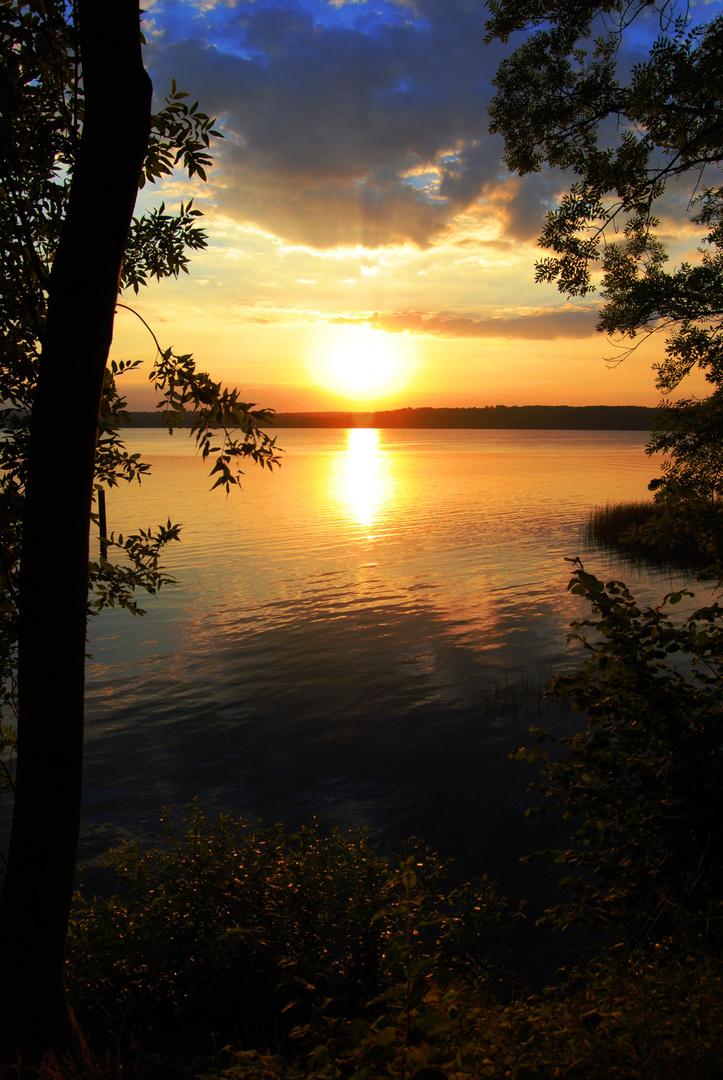 Sonnenuntergang am Tollensesee II