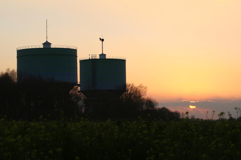 Sonnenuntergang an den Wassertürmen 02