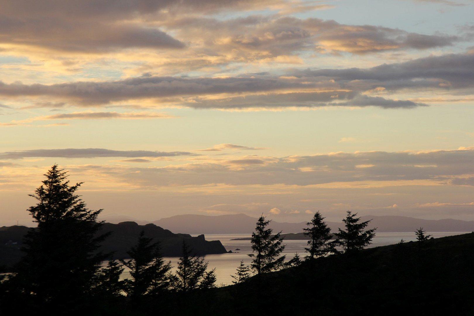 Sonnenuntergang an der Bucht von Staffin...