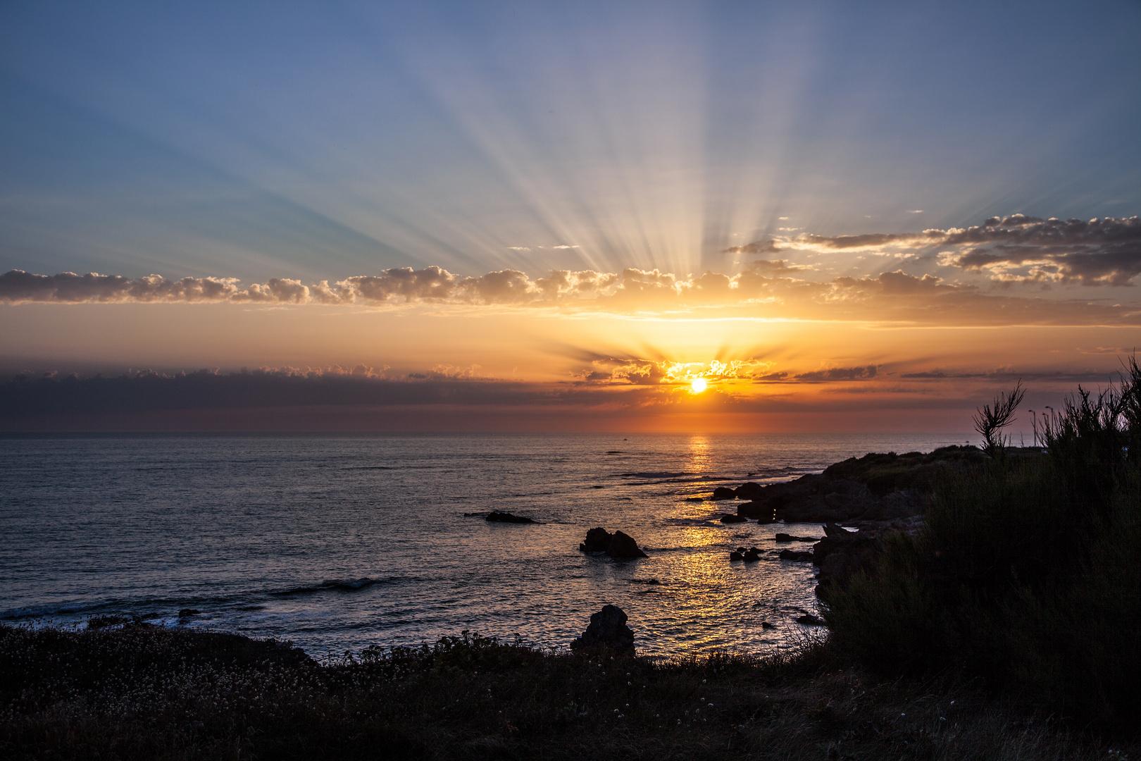 Sonnenuntergang an der Côte de Lumière