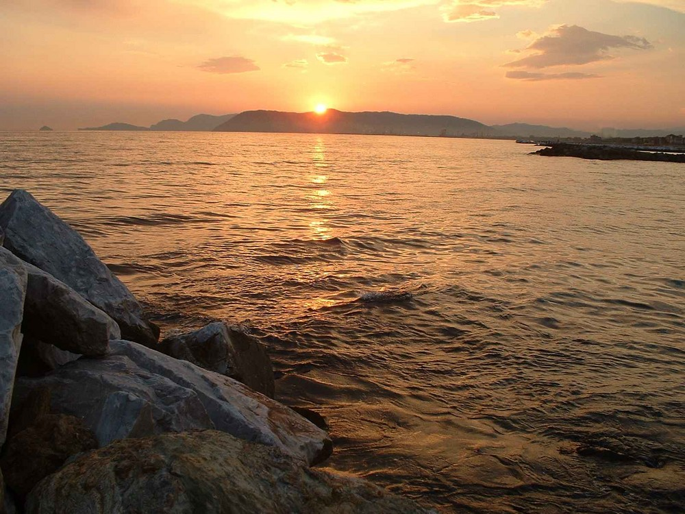 Sonnenuntergang an der ligurischen Küste