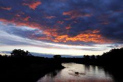 Sonnenuntergang an der Mulde am 17. Oktober 2020