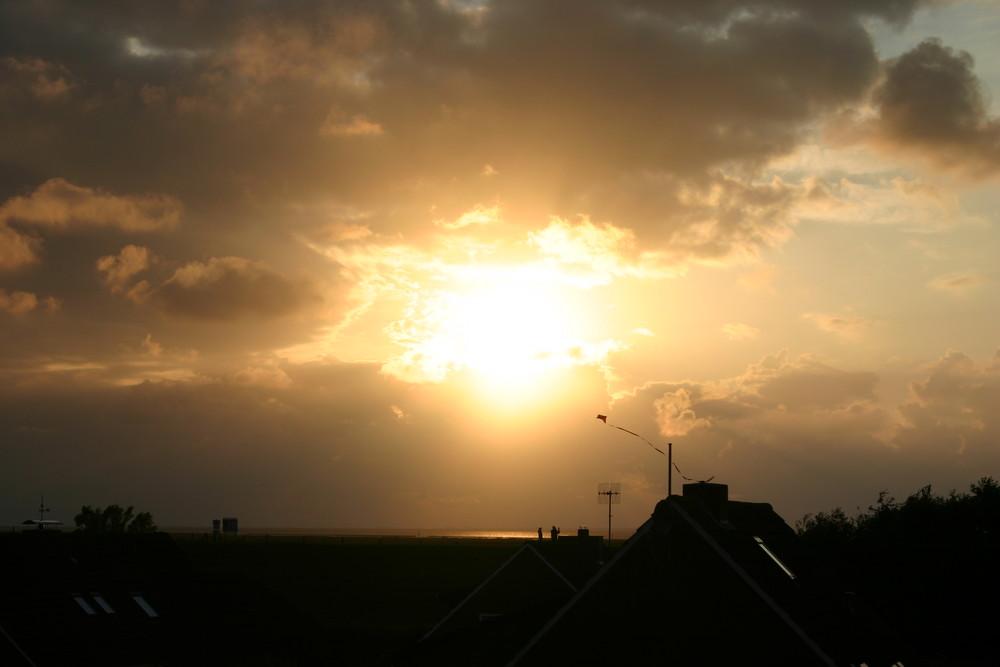 Sonnenuntergang an der ostfriesischen Küste