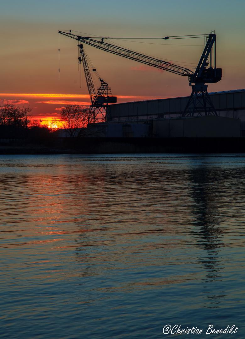 Sonnenuntergang an der Weser bei Vegesack