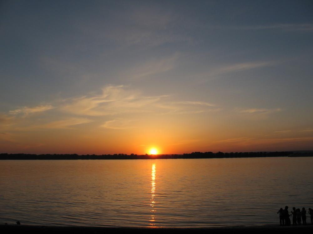 Sonnenuntergang an der Wolga (Samara, Russia)