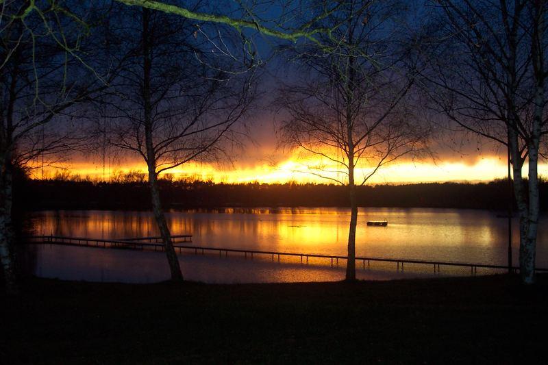 Sonnenuntergang an unserem Badesee