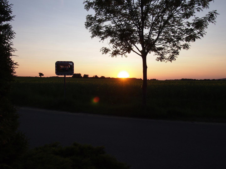 Sonnenuntergang auf dem Dorf