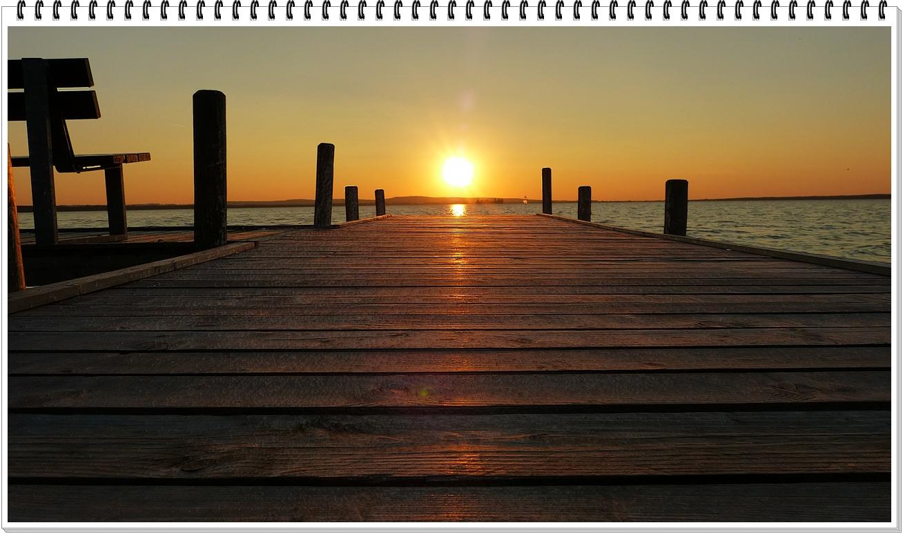 Sonnenuntergang auf dem Steg