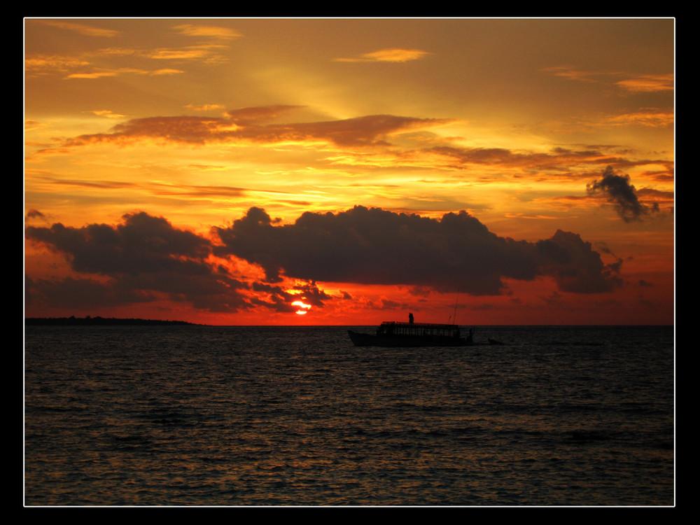 Sonnenuntergang auf Reethi Beach