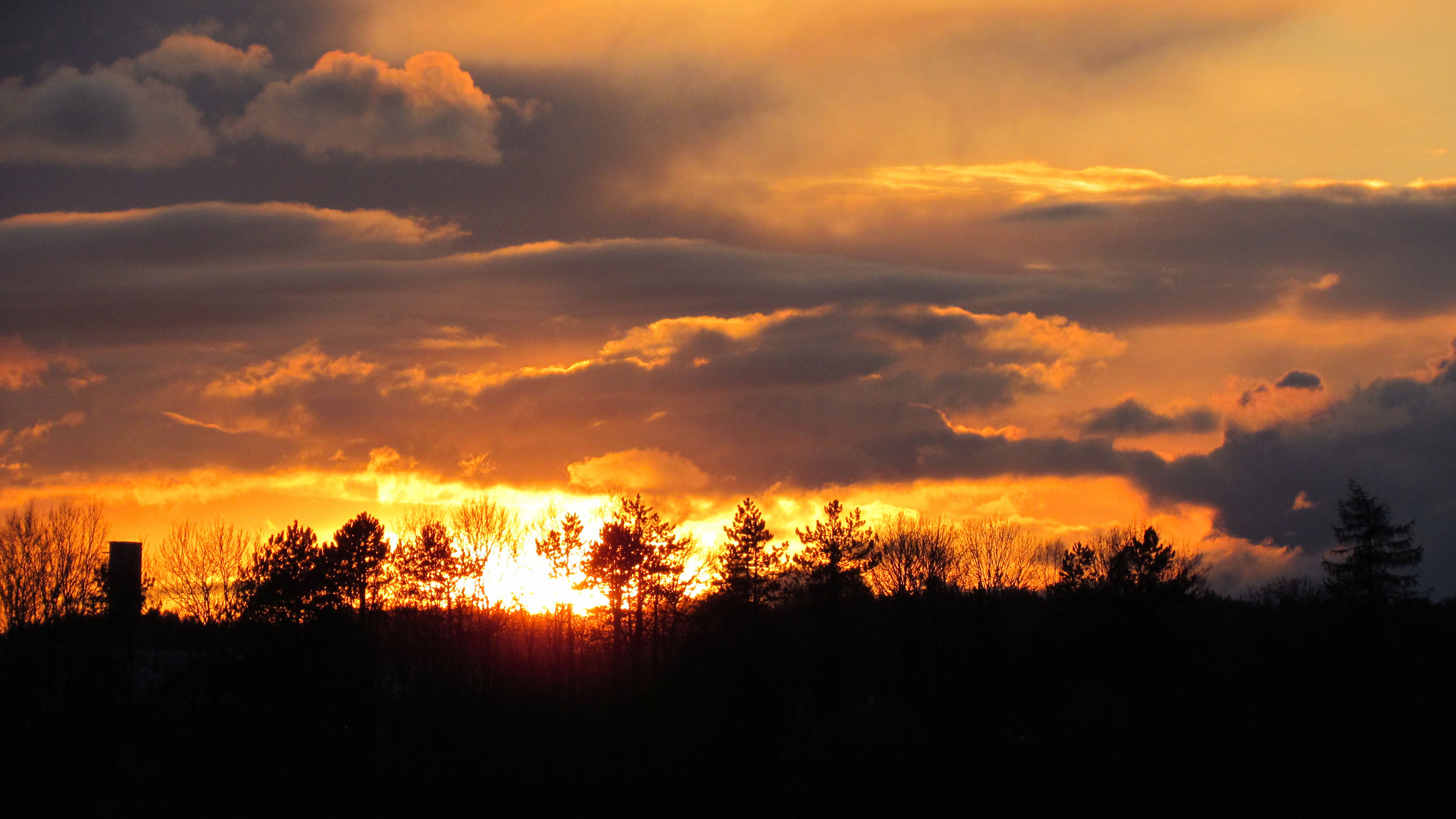 Sonnenuntergang bei Burghausen