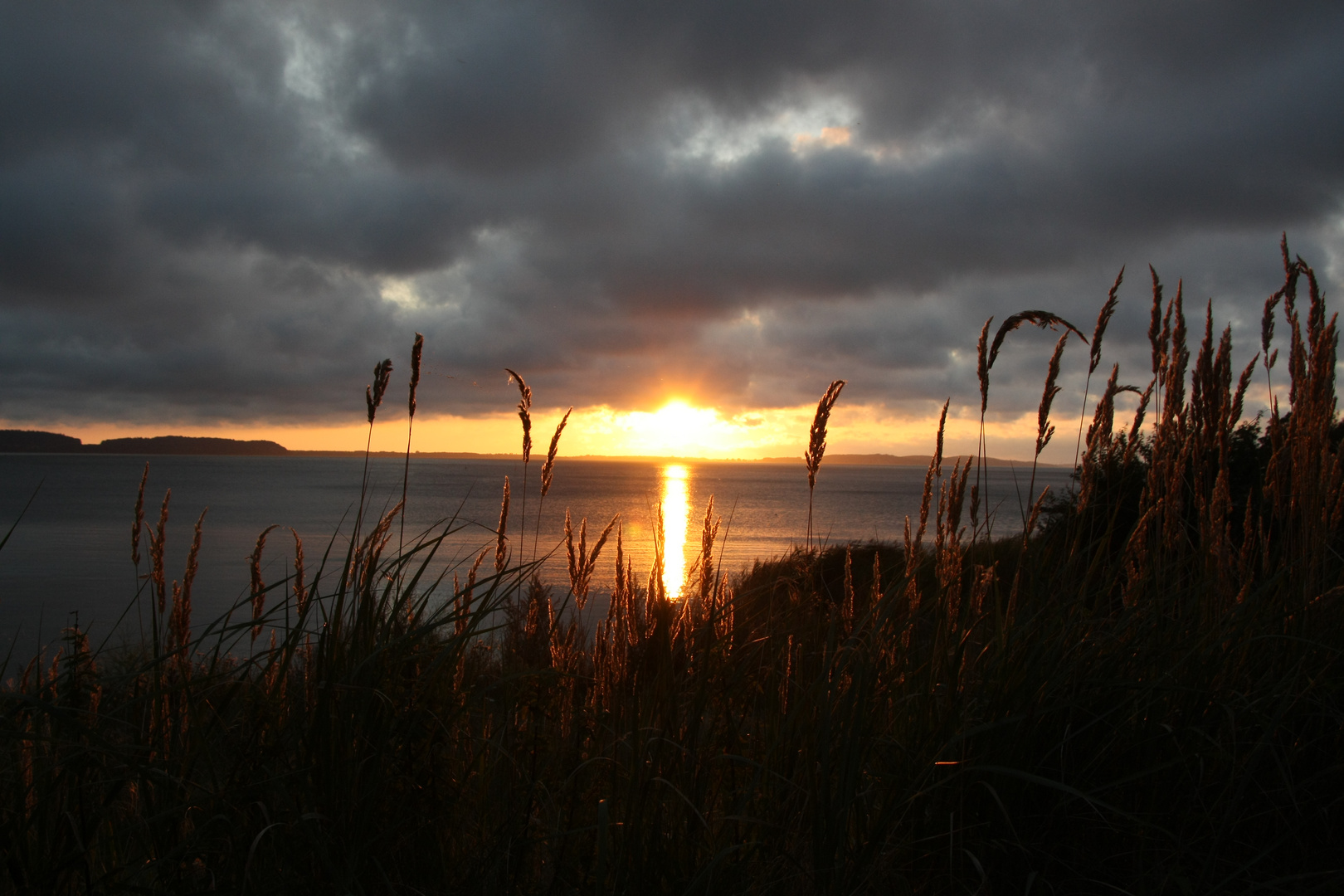 Sonnenuntergang bei Lietzow auf Rügen
