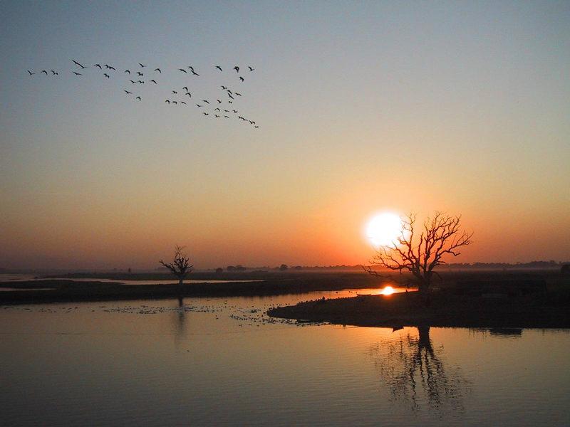 Sonnenuntergang bei Mandalay- Zentralburma