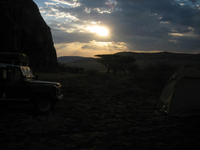 Sonnenuntergang Camping in Tansania