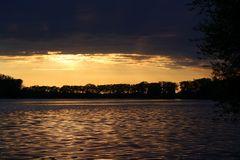 Sonnenuntergang Donau / Metten