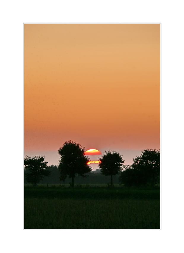 Sonnenuntergang Freitag 12.09.2008, 20:00.29 (als gesehen von Oranjedijk)