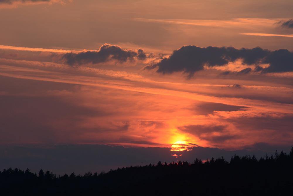 Sonnenuntergang gestern abend von unserem Haus aus